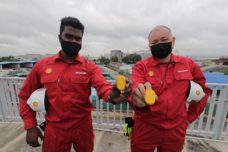 Los trabajadores de las industrias S'pore que utilizan gas inflamable obtienen dispositivos especiales de seguimiento de contactos