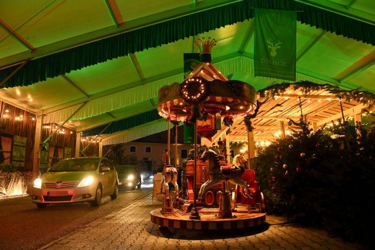 Drive-ins, chozas dispersas: los mercados navideños alemanes encuentran formas de evitar los virus