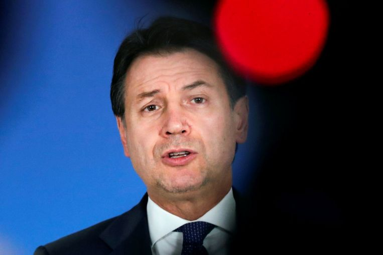 El primer ministro italiano a punto de dimitir, agravando la crisis política